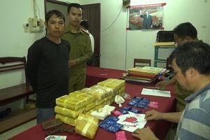 Bắt trùm đường dây ma túy với 114.000 viên ma túy