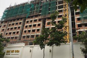 Rơi từ tầng 10 dự án Saigon Homes, 2 người tử vong