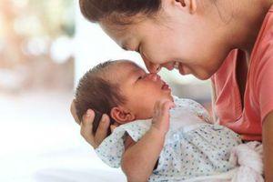 Thương rớt nước mắt chuyện mẹ Ở CỮ SAU SINH tâm sự với người làm nghề 'chăm sóc bà đẻ' (Phần 2)