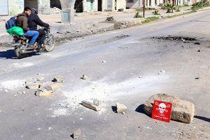 Chiến sự Syria: Phiến quân quay phim dàn dựng các vụ tấn công hóa học tại Idlib