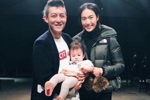 Gã playboy Trần Quán Hy từ bỏ hình ảnh lăng nhăng để trở thành ông bố tốt