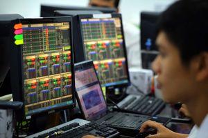 Báo cáo sai giao dịch cổ phiếu, 3 cá nhân bị xử phạt