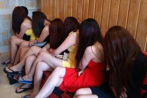 Vì sao chưa thể công nhận mại dâm là nghề hợp pháp tại Việt Nam?