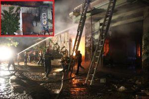 Cháy dữ dội thiêu rụi kho điện tử ở Tháp Chàm, Ninh Thuận
