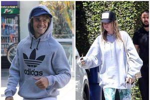 Justin Bieber và người mẫu 22 tuổi công khai khoác tay nhau