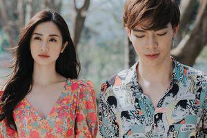 Jun Vũ ngại ngùng khi hôn Erik trong MV 'Chạm đáy nỗi đau'