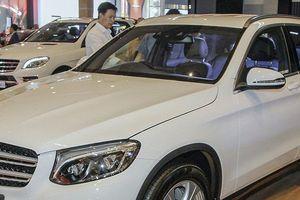 Giá ô tô Mercedes-Benz tháng 5/2018: GLC 250/300 tăng giá bán