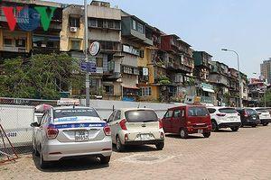 Dự án 'treo', bãi đỗ xe thông minh thành nơi trông xe trái phép