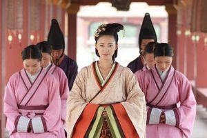 Chọn phi thị tẩm là sự hoang dâm vô độ của vua chúa Trung Hoa thời xưa