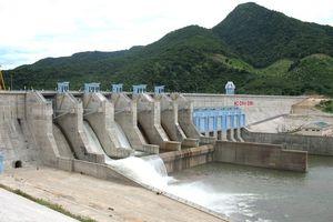 Khổ vì giấy phép khai thác nước mặt hồ chứa thủy lợi