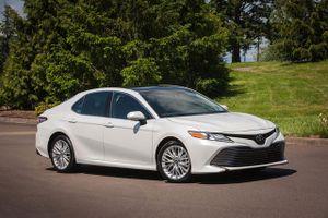 Top 10 xe hơi trên 300 mã lực rẻ nhất trên thị trường