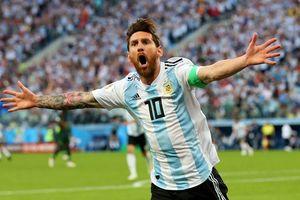 Messi lập siêu phẩm, Argentina vào vòng 1/8 đầy ngoạn mục
