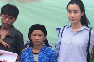 Hoa hậu Đỗ Mỹ Linh đi cứu trợ đồng bào bị lũ quét ở Hà Giang