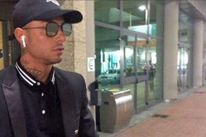 Fan tưởng nhầm Ronaldo đã tới sân bay Italy