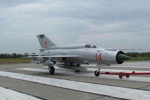 Lạ lẫm tiêm kích MiG-21 mới cứng của Không quân Nga