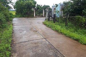 Đắk Lắk: Dùng tiền tỷ từ vốn 135 làm đường vào cổng nhà Chủ tịch xã?
