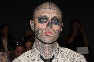 Người mẫu xăm mình trong 'Born This Way' của Lady Gaga tự sát