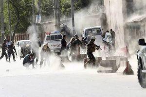 Đánh bom kép gần nhà thờ Hồi giáo ở Afghanistan