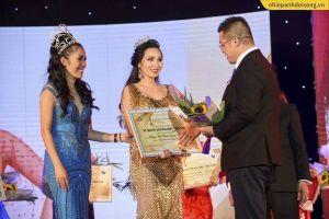 Doanh nhân Châu Loan đăng quang 'Nữ hoàng thương hiệu Việt Nam'
