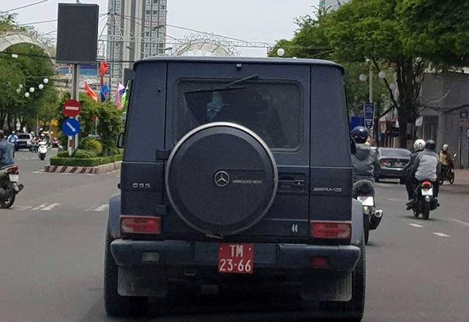 Xe tiền tỷ gắn biển đỏ ở Cần Thơ: Chủ xe mua biển giả để đi cho oai