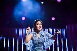 Mỹ Linh dạy hát cho hơn nghìn khán giả Hà Nội ngay trên sân khấu