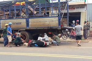 Người đàn ông tông vào đuôi ôtô tải tử vong
