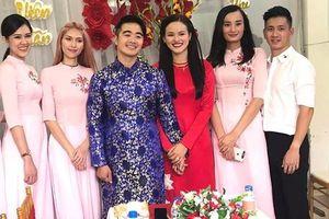 Người mẫu Tuyết Lan tổ chức đám hỏi với doanh nhân hơn 9 tuổi