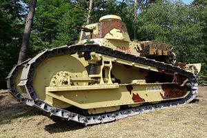 Bất ngờ loại xe tăng đầu tiên lăn bánh ở Việt Nam