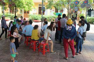 Hàng trăm trẻ em Hà Tĩnh bị từ chối trong ngày tựu trường