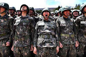 Sinh viên Hàn Quốc bất ngờ tìm lý do trốn nghĩa vụ quân sự