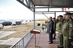 Tổng thống Putin thị sát tập trận Vostok-2018, cam kết tăng cường sức mạnh quân đội Nga