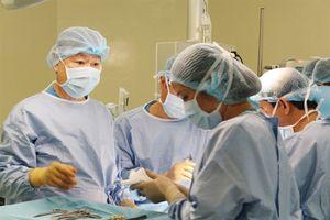 Phẫu thuật cắt u gan thành công cho bệnh nhi trong trường hợp chưa từng gặp phải