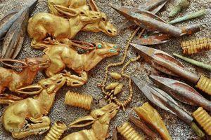 Tìm thấy kho báu chứa 3.000 đồ trang sức bằng vàng