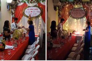 Cô dâu 61 tuổi Thu Sao được chồng trẻ bất ngờ cầu hôn đúng ngày sinh nhật
