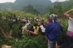 Hòa Bình: Bàng hoàng phát hin thi th ang phân hy di chân èo Thung Khe