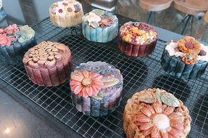 Bánh trung thu điêu khắc giá cao vẫn hút khách