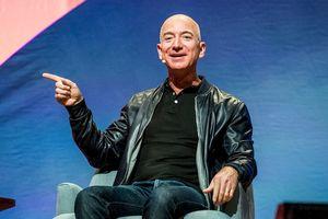 Ông chủ Amazon ngủ ít nhất 8 tiếng mỗi ngày để không 'mệt mỏi hay cáu kỉnh'