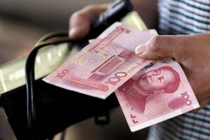 Khách du lịch tiêu tiền Nhân dân tệ ở Việt Nam: Các bộ, ngành nói gì?