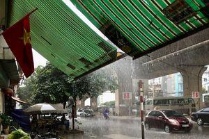 Những điều cần biết khi gặp mưa dông, gió lớn ở trên đường