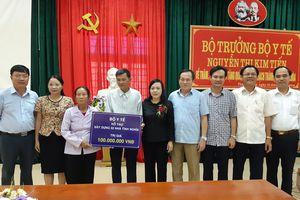 Bộ trưởng Bộ Y tế Nguyễn Thị Kim Tiến thăm và làm việc tại huyện Thạch Thành