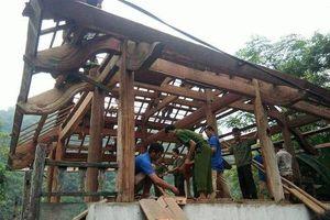 Người dân tháo nhà di dời, chuẩn bị ứng phó với siêu bão Mangkhut