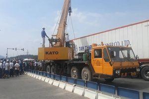 Bị xe container kéo lê hàng chục mét, người đàn ông tử vong thương tâm