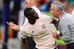 Bị HLV Mourinho 'ghẻ lạnh', siêu hậu vệ tìm đường rời M.U