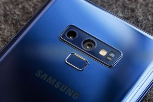 Galaxy Note 9 bốc cháy trong túi người dùng
