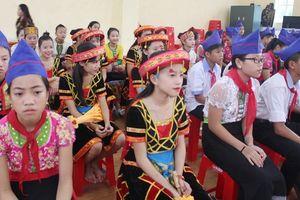 Trường học bị lũ bùn nhấn chìm ở Nghệ An, khai giảng muộn