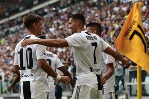 Lập cú đúp cho Juventus, Ronaldo vẫn 'xách dép' Messi ở khả năng này