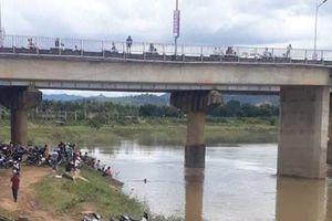 Kon Tum: Cô gái nhảy xuống cầu Đăk Bla mất tích