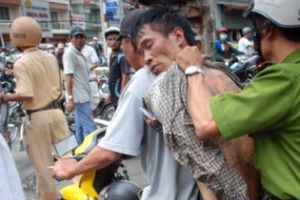 Hải Phòng: CSGT phối hợp với công an phường bắt cướp