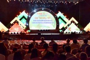 Lễ trao học bổng cho học sinh nghèo hiếu học 10 tỉnh miền núi khu vực phía bắc