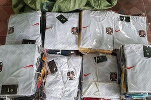 Quần áo thể thao nhái thương hiệu 'tung hoành' tại Lạng Sơn